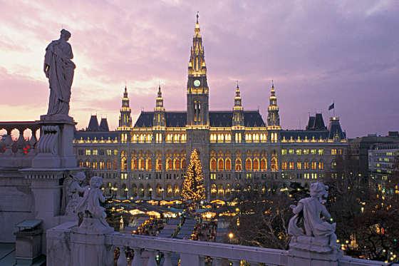 00000030016-christkindlmarkt-auf-dem-wiener-rathausplatz-oesterreich-werbung-Viennaslide.jpg.3197219