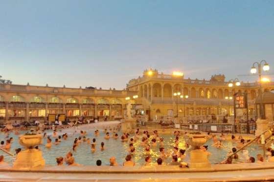 BUDAPEST_HUNGARY_SPA_BATHS
