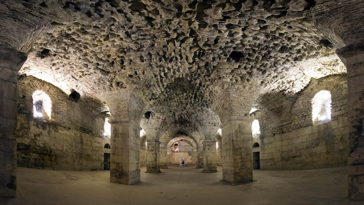 SPLIT_CROATIA_DIOCLETIANS_PALACE_CELLARS_GOT_STOCK