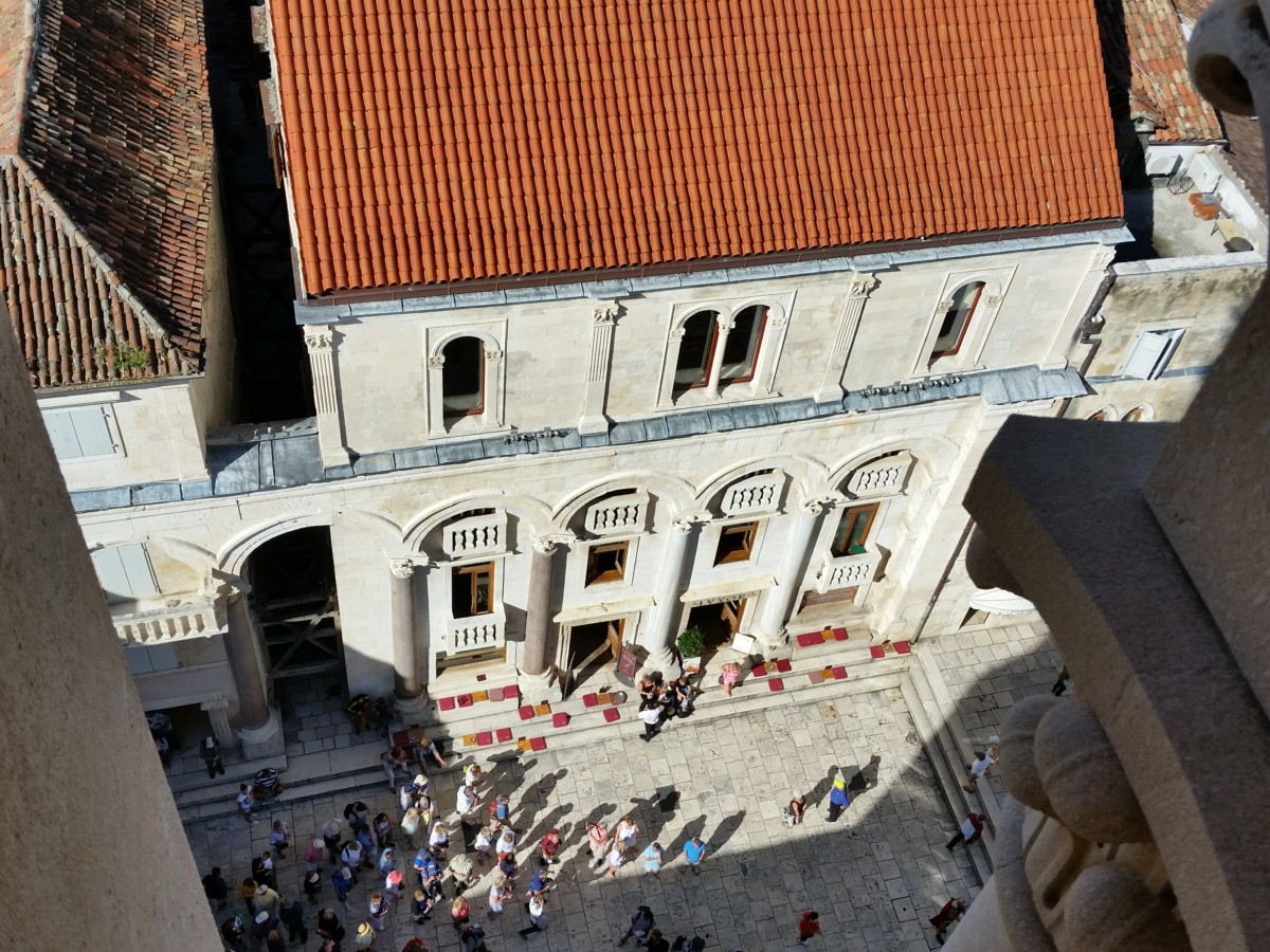 SPLIT_CROATIA_STREETS_DIOCLETIANS_PALACE_VIEW_STOCK