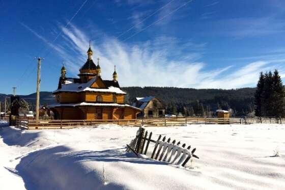 CHRISTMAS_TOUR_HUTSUL_CHURCH_CARPATHIANS_SNOW_WINTER (22)