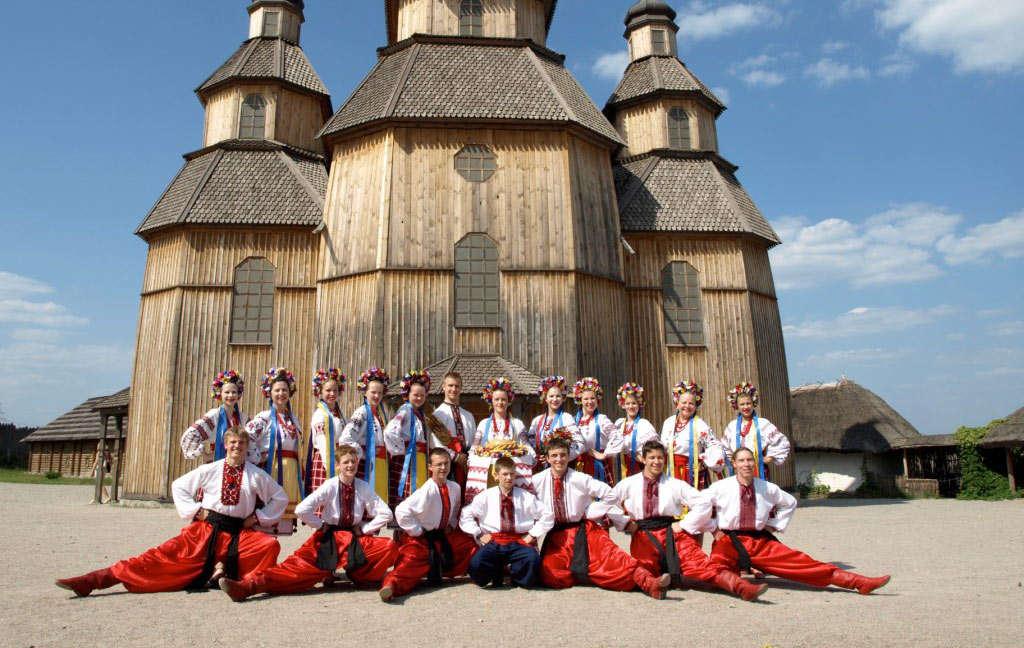 GROUP_TRAVELLERS_DANCE_ZAPORIZHIA_UKRAINE_CENTRAL (2)